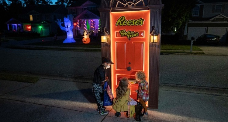 Dracula's castle parties, scary clowns and robot doors: Top 10 Halloween ads for a locked-down year