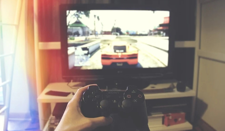 Pocket money priorities: Kids spending more on games (and less on sweets)